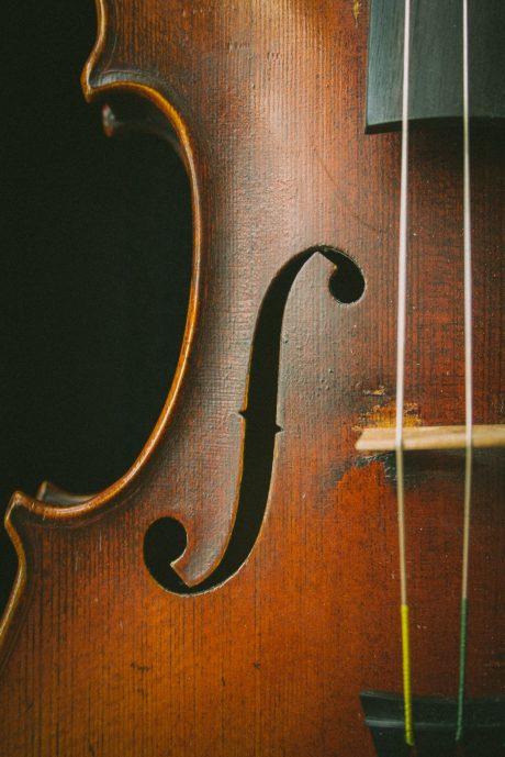 violin-johanna-vogt-H7kVzJgum3M-unsplash